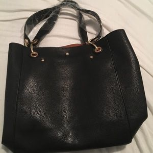 Handbags - Synthetic Leather Tote